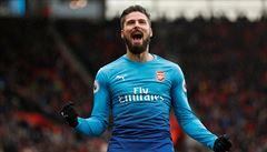 Škatulata v Anglii: Giroud jde do Chelsea, Arsenal podepsal Aubameyang i rebela Özila