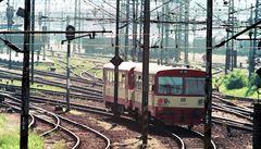 U pražských Klánovic srazil vlak člověka. Ten nehodu nepřežil