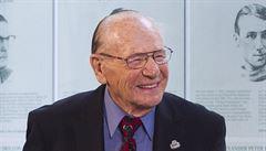 Zemřel čtyřnásobný vítěz Stanley Cupu Bower, bylo mu úctyhodných 93 let