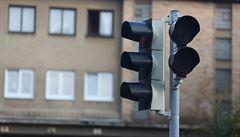Dopravu v centru Prahy komplikovaly nefunkční semafory. Tvořily se kolony