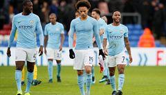 VIDEO: Střela země-vzduch přinesla gól roku. A Manchester City doma senzačně prohrál