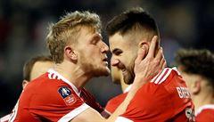 Čech na střídačce, Wenger v hledišti a Arsenal vypadl s druholigovým Nottinghamem