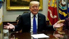 Trump chystá zrušení vízové loterie. V novém imigračním systému má být i zeď s Mexikem