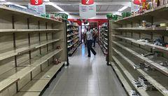 Venezuelská vláda nařídila snížit ceny potravin. Kvůli chaosu vypukly nepokoje