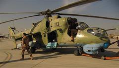 Jak se učili starší afghánští piloti? Za letu, přes překladatele a se zpožděním, líčí Čech