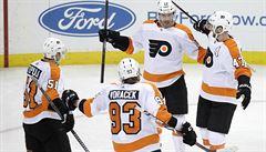 NHL: Voráček pomohl asistencemi k výhře Philadelphie, Krejčí skóroval