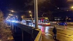 V noci se uzavřel Libeňský most, tramvaje budou jezdit po výlukových trasách