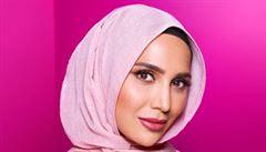 Přípravky na vlasy propaguje modelka s hlavou skrytou pod hidžábem