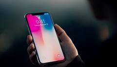 Apple kvůli slabé poptávce sníží výrobu iPhone X. Úřady zajímá i záležitost s baterií