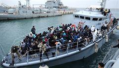 Loď s migranty, kterou odmítla Itálie, může přistát ve španělské Valencii