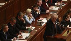 Zeman ve sněmovně podpořil Babiše. Poslanci ale nakonec o důvěře vládě budou hlasovat až v úterý