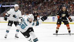 NHL: Kaše a Hertl asistovali, Vegas se posunul do čela NHL