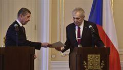 Premiér Babiš podal demisi a hned poté dostal od Zemana druhý pokus
