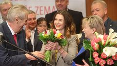 MOMENTY VOLEB: Zeman po boku Okamury a šéfa ČEZ, pěsti ve štábu a Drahošovo 'jedeme dál'