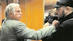 Útočník ze Zemanova štábu? Bývalý boxer, co pořádá koncerty ve státních historických sálech