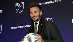 Soccer podle Beckhama. Legendě gratulovali k týmu Smith, Neymar i Williamsová