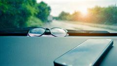 Ošklivé počasí chce dobré brýle, za volantem pomohou polarizační