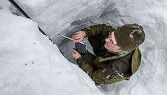 Vědci ze Správy KRNAP zkoumají vliv lavin na přírodu Krkonoš