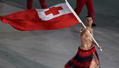 Sledujeme živě: Polonahý sportovec z Tonga při zahájení, Vojáčková dodatečně nominována