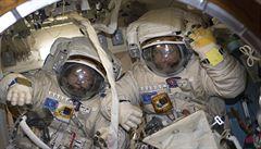 Ruský rekord: dva kosmonauti pracovali vně ISS nejdéle ze všech