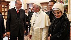 Papež ve Vatikánu přijal k audienci tureckého prezidenta Erdogana, v Římě demonstrovali Kurdové