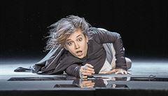 RECENZE: Shakespearovo Něco za něco se v podání polského režiséra s divákem nemazlí