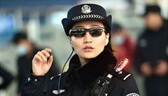 Úřadům neuniknete. Čínská policie identifikuje podezřelé pomocí speciálních brýlí