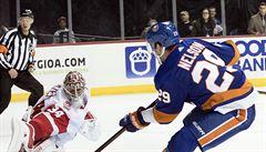 NHL: Islanders přestříleli Detroit, Mrázek inkasoval sedmkrát