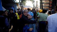 Mexiko zasáhlo zemětřesení. Kvůli otřesům havaroval i vojenský vrtulník