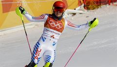 Shiffrinová je ve slalomu bez medaile, zlato slaví Hansdotterová