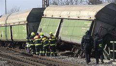 V pražském Radotíně vykolejilo 20 vagonů nákladního vlaku, zraněn je jeden muž