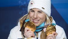 Úžasná Ester Ledecká. Její zlatý lesk by ale neměl přebít problémy českého sportu