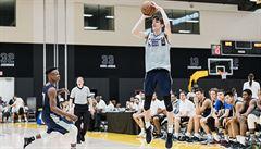 Vycházející basketbalová hvězda byla na kempu při NBA: ,Chci překonat i Satoranského