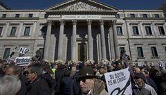 Španělští důchodci demonstrují po celé zemi.  Chtějí důstojné penze