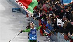 Čtyři trestná kola a dvanácté místo pro biatlonistky. Senzační zlato mají Bělorusky