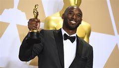 Legendární Kobe Bryant získal Oscara, zfilmoval báseň o své lásce k basketu