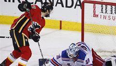 NHL: Frolík asistoval u jediné trefy Calgary a patřil k hvězdám zápasu