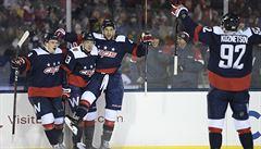 NHL: Vrána skóroval v utkání pod širým nebem. Voráček ani Mrázek neodvrátili prohru