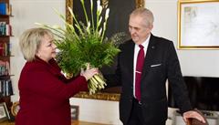 Oficiality šly stranou. Nejdřív prezident Miloš Zeman popřál k MDŽ své manželce a dceři