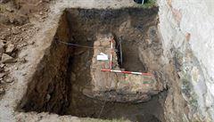 Pod zámkem v Telči jsou zdi gotického hradu,zjistili archeologové