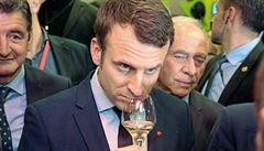 Macron jako obhájce vinařů. Alkoholismus prý způsobuje pivo a destiláty, víno ne