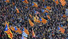 Za nezávislost Katalánska demonstrovaly desítky tisíc lidí