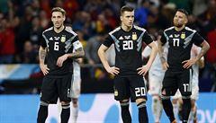 Španělé nám nafackovali, řekl po debaklu 1:6 trenér Argentiny. Brazilci stylově slavili