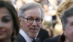 Spielberg chystá novinářské drama. Zahrají si v něm Hanks a Streepová