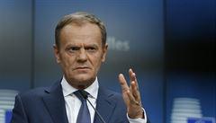 EU důvěřuje polovina Čechů. Nejméně důvěryhodný politik je Donald Tusk, zjistil průzkum