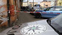 Opilý muž brokovnicí postřelil tři lidi. Před hospodou útočil legálně drženou zbraní