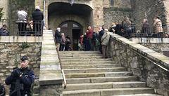 Ve Francii při mši vzpomínali na četníka a další tři oběti pátečního útoku
