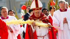 Papež František zahájil mší předvelikonoční týden. V kázání vyzval mladé, aby nemlčeli