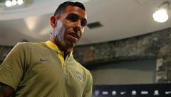 Carlos Tévez vyzývá fotbalový svět: Vzdejte se platu a pomáhejte, kde je třeba