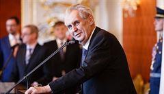 Zeman vybírá předsedu Nejvyššího správního soudu, odcházející šéf Baxa se bojí 'sekáče' zvenčí